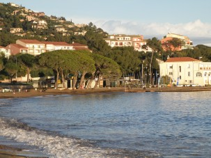 © Sunny French Property - Bay of Agay beach