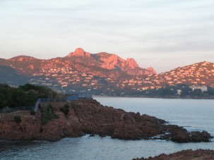 © Sunny French Property - Bay of Agay and Esteral red rocks