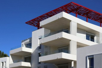 Montpellier centre new build property - large terraces